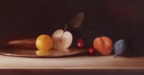 Still life with fruit on a silver platter by Tanja Moderscheim