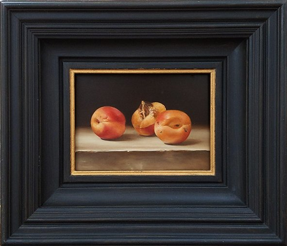 Still life: Apricots on a stone ledge. Oil on wood, 13x18cm